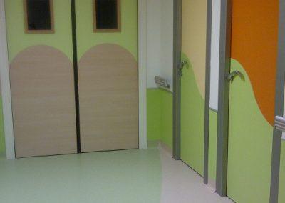 policarbonato en puertas y paredes
